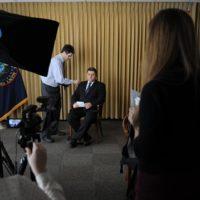 Eduard Simion se pregătește de filmări la sediul DIA
