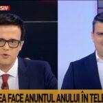 """Pe 12 mai Gâdea anunță """"parteneriatul"""" cu canalul Fake News american iar în dreapta jurnalistul rezist Radu Tudor e cu un ochi la făina lu Gâdea și altul la slănină"""