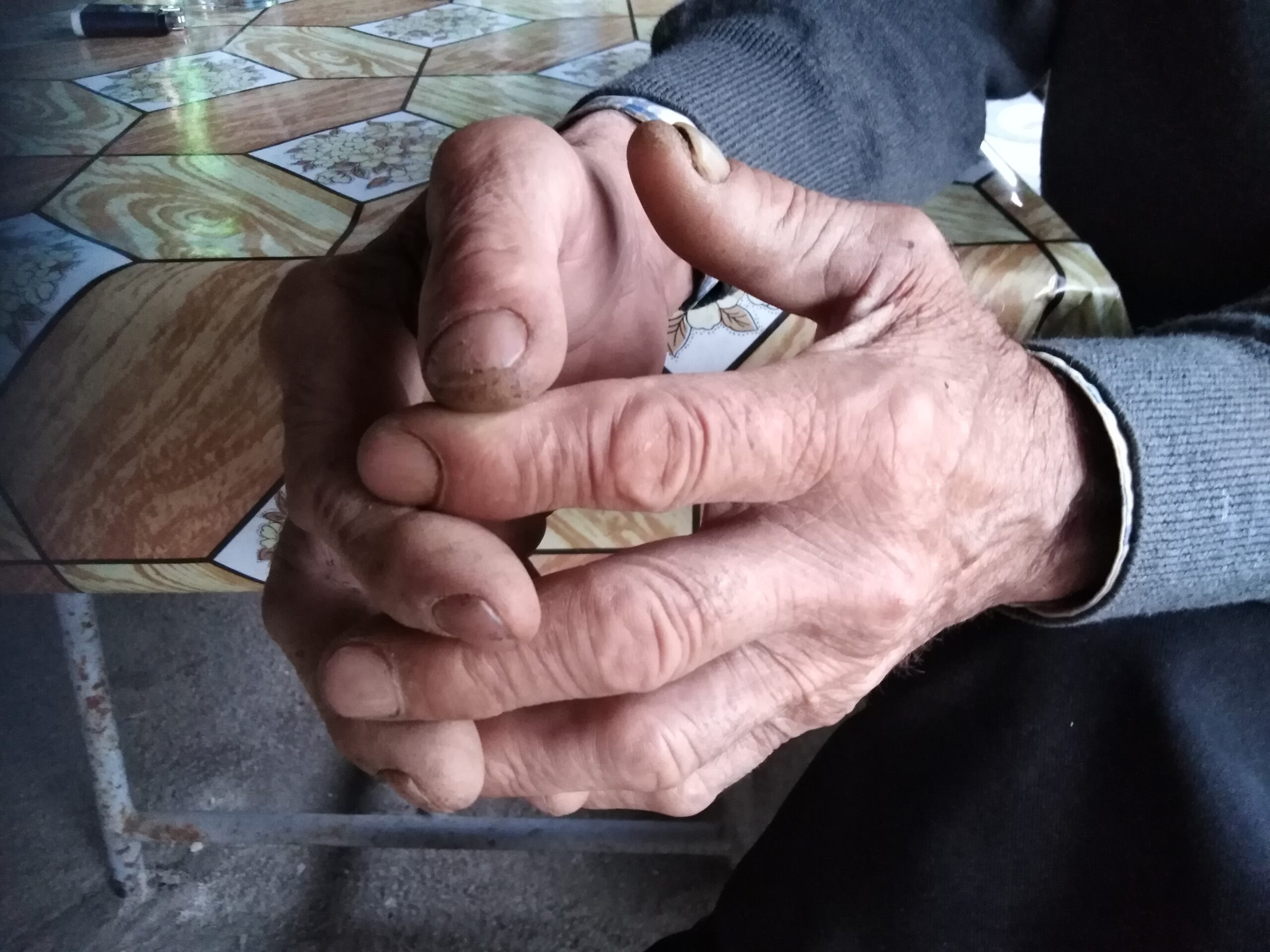 Așa arată mâinile unui țăran