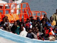 """Migrația ilegală spre Europa continuă Tolerată de UE și încurajată de """"elite"""" globaliste"""