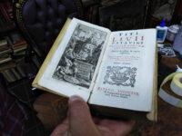 Istoria-Romana-(Padova,-1727)-de-Titi-Livii,-o-cărțulie-cât-iphonul-unei-fătuce.-500-de-lei.