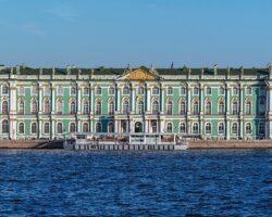 1920px-Winter_Palace_Panorama_4