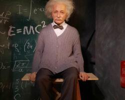 Muzeul-personajelor-din-ceară—Albert-Einstein