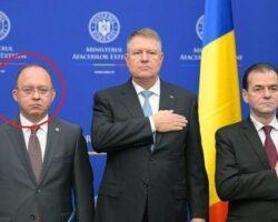 in-aceasta-imagine-nu-este-clar-unde-isi-tine-ministrul-aurescu-mana-dreapta-cea-stanga-e-sigur-langa-buzunarul-lui-klaus-iohannis