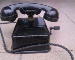 telefon cu manivela