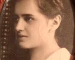 Anastasia Iova la 18 ani