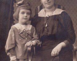 Aurelia Câniceanu nascuta Comaniciu sora mamei lui Emil Cioran