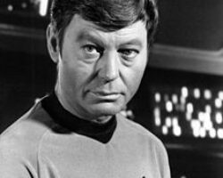 DeForest_Kelley,_Dr._McCoy,_Star_Trek