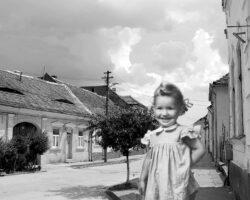 sabina pe strada bunicilor