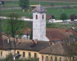 scoala si turnul Bisericii Reformate