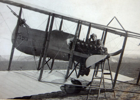 soldat-roman-in-avion