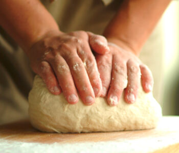 frământatul pâinii