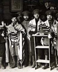 Rabini din armata germana, reuniti inainte de declansarea unei ofensive