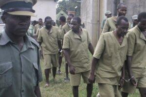 Deținuți încarcerați Chikurumbi